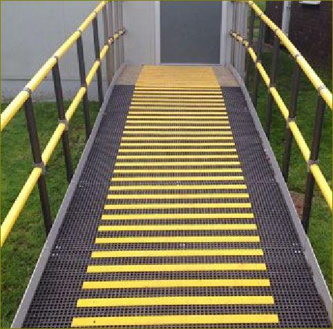 แผ่นปิดผิวเทปกันลื่นกั้นเขตตีเส้นสะท้อนแสงปิดจมูกขอบมุมคิ้วแผงครอบบันได anti slip tape frp Stair Tread Nosing