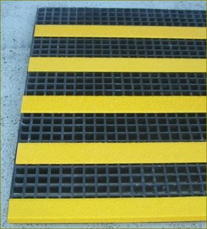 แผ่นปิดผิวเทปกันลื่นกั้นเขตตีเส้นสะท้อนแสงปิดจมูกขอบมุมคิ้วแผงครอบบันได frp Stair ladder anti slip tape Tread Nosing