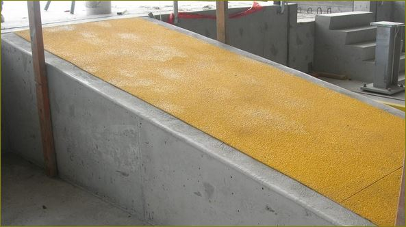 แผ่นปิดผิวเทปกันลื่นกั้นเขตตีเส้นสะท้อนแสงปิดจมูกขอบมุมคิ้วแผงครอบบันได Anti-skid non slippery safety surface walkway outdoor sheet tape