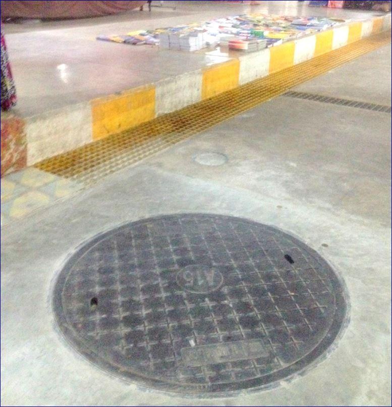 FRP Fibreglass Manhole cover ฝาปิดบ่อท่อพักไฟเบอร์กล๊าส