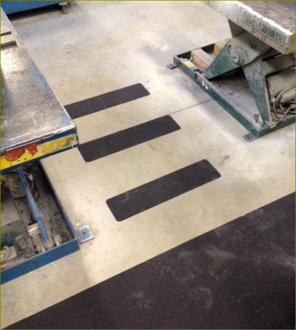 แผ่นปิดผิวเทปกันลื่นกั้นเขตตีเส้นสะท้อนแสงปิดจมูกขอบมุมคิ้วแผงครอบบันได anti skid safety surface tape frp Stair Tread Nosing