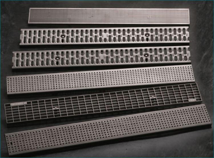 ตะแกรงเหล็กแสตนเลสฝาปิดบ่อครอบท่อพักระบายน้ำ Serrated safety walkway Steel Grating