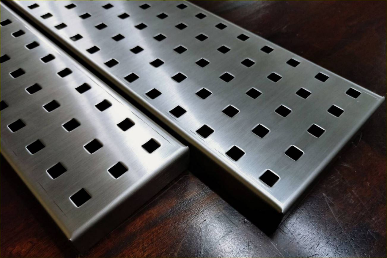 ฝาตะแกรงเกรตติ้งบ่อพักแผ่นพื้นคอนกรีตสำเร็จรูประบายน้ำ Stainless Aluminium Expanded Metal Grating