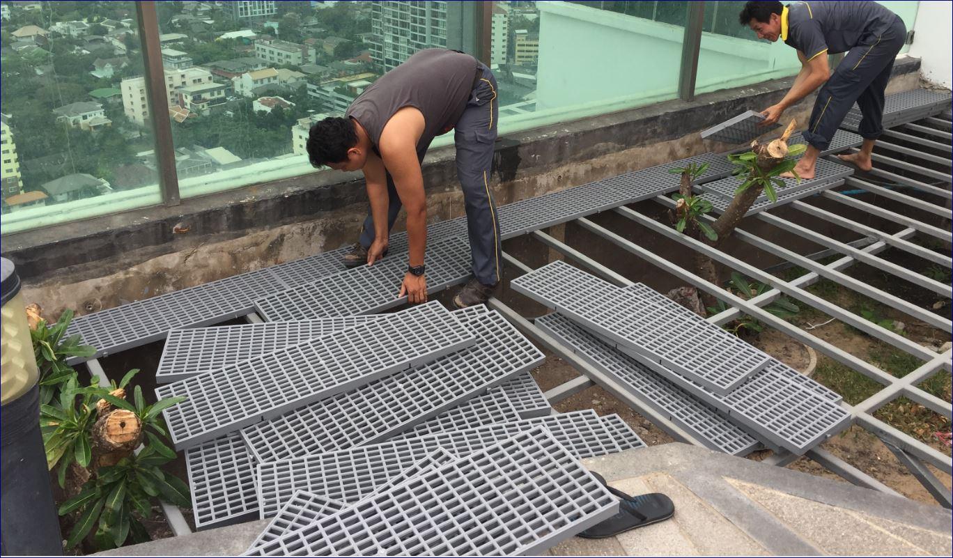 ตะแกรงพลาสติกระบายน้ำล้นสระว่ายน้ำ plastic grating
