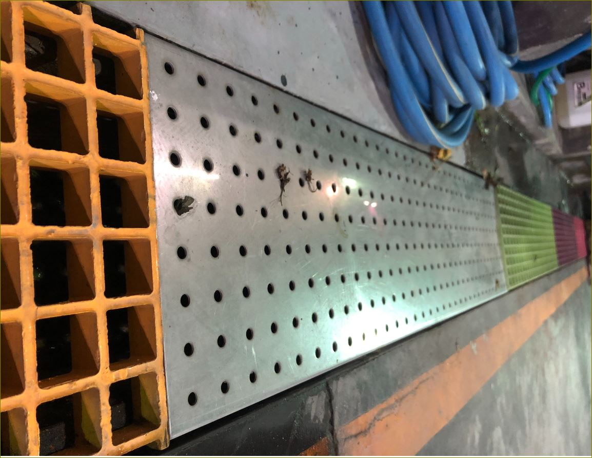 Perforated Expanded Heel Guard Stainless  Grating ฝาปิดบ่อครอบท่อพักตะแกรงเหล็กเกรตติ้งระบายน้ำ