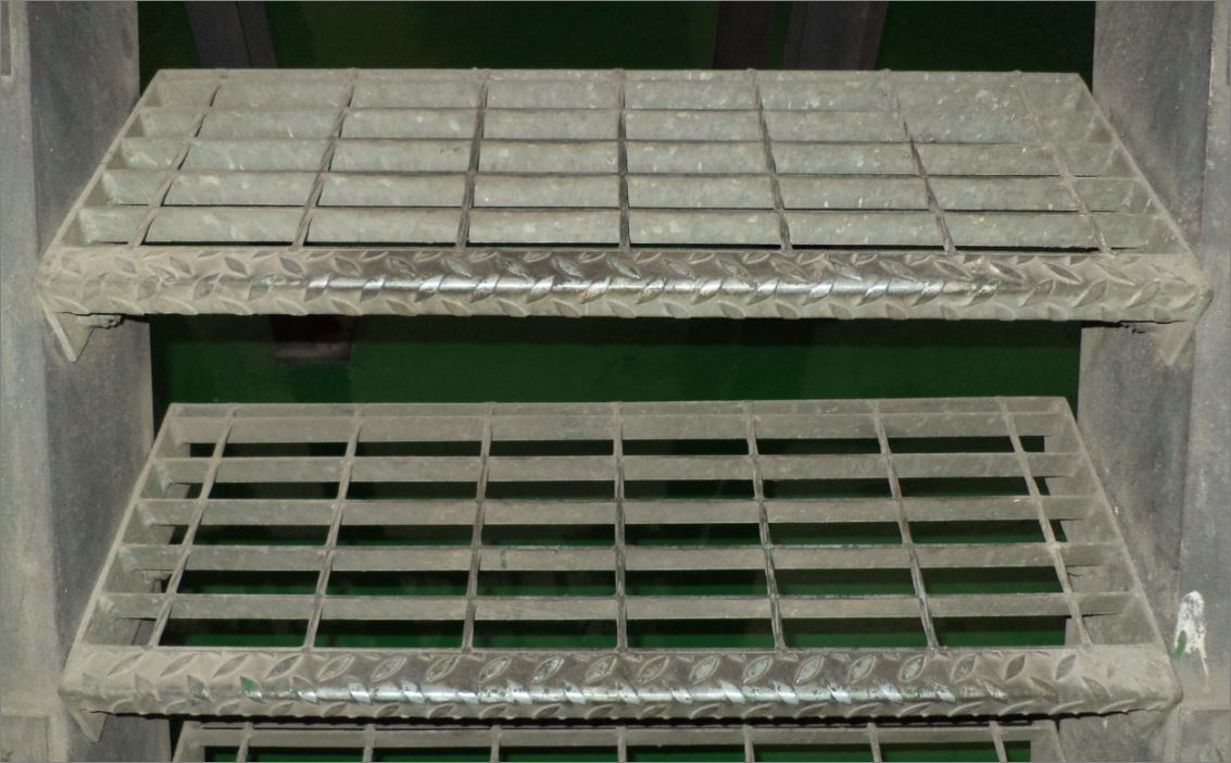 Stair Tread Nosing Anti-Slip Sheeting, non skid surface tape, outdoor safety walk non slippery