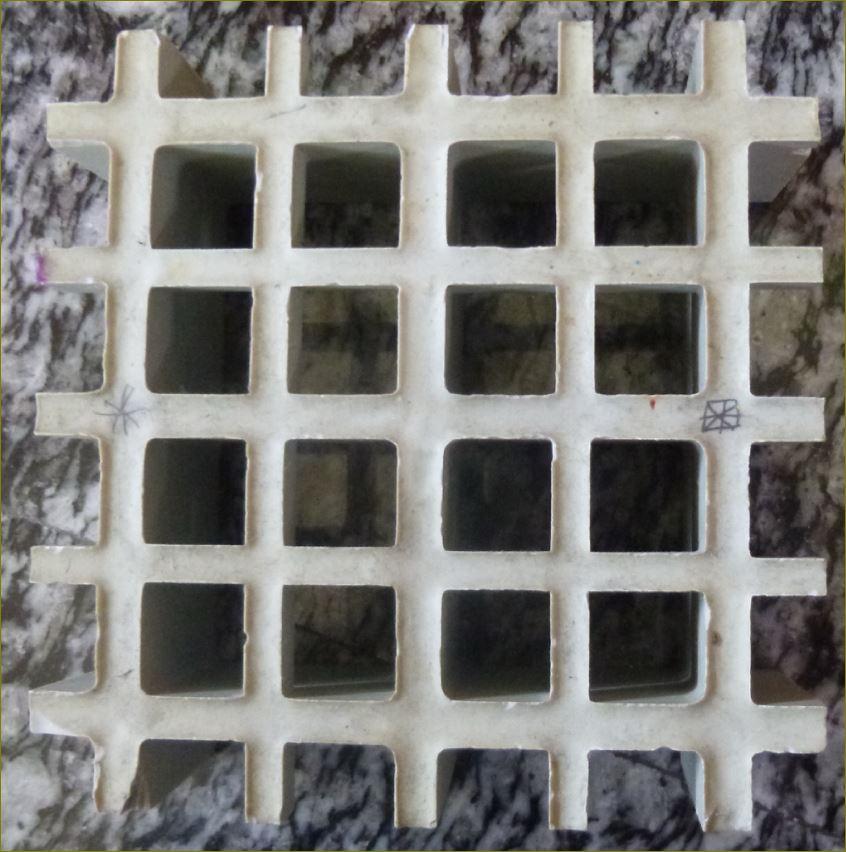 ตะแกรงไฟเบอร์กล๊าสระบายน้ำล้นรอบขอบสระว่ายน้ำ  FRP Fiberglass Grating Manhole Cover