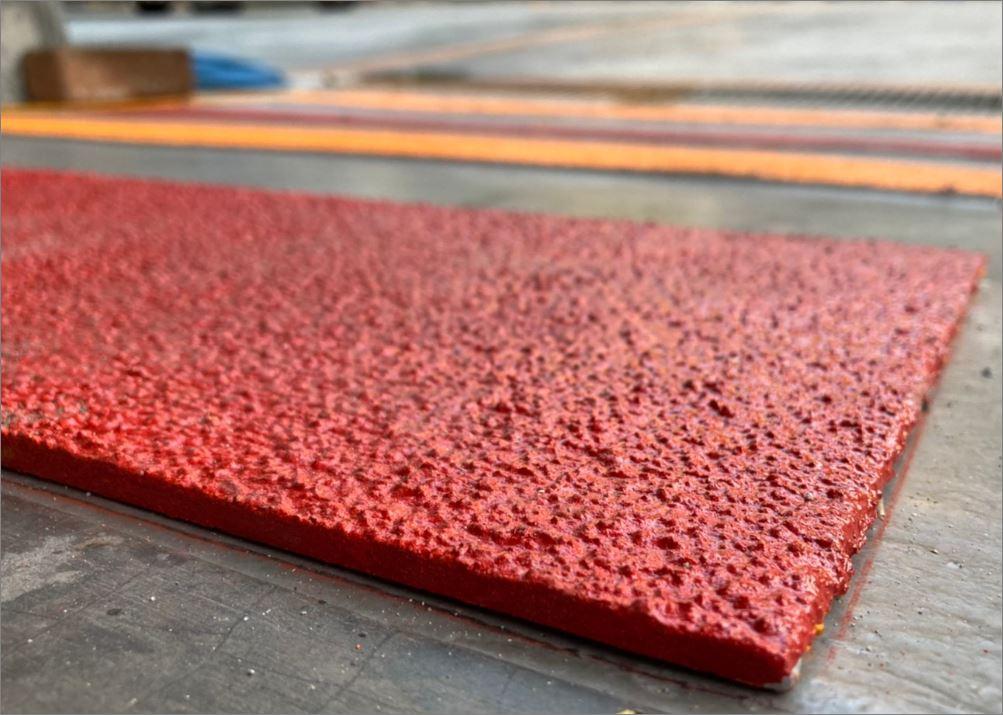 แผ่นปิดผิวเทปกันลื่นกั้นเขตตีเส้นสะท้อนแสงปิดแผงครอบบันได Skid Resistance floor sheet
