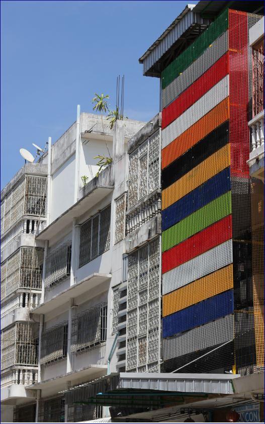 หน้ากากตึก ปิดผิวห่อหุ้มอาคาร แผ่นโลหะฉลุลายเซาะร่องตกแต่งอาคาร fiberglass FACADE CLADDING