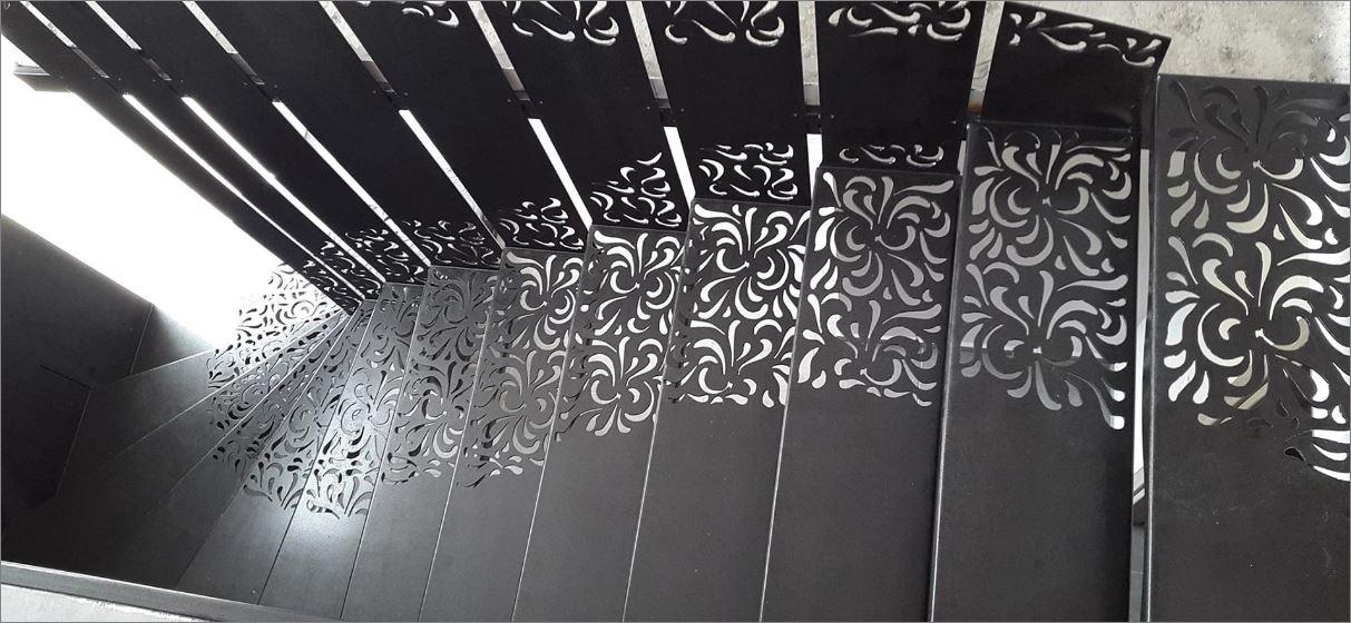 แผ่นเหล็กฉลุลายเลเซอร์ตกแต่ง สำหรับ ขั้นบันได แผ่นตกแต่งหัวเตียง ผนังกำแพง    Ladder Decorative Image Laser Cutting Metal Sheet Panel