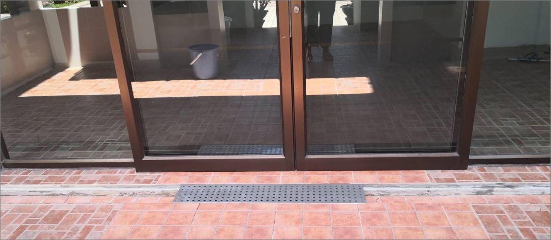 แผ่นครอบฝาตะแกรงแสตนเลสอลูมิเนียมเกรตติ้งเหล็กแผ่นเจาะรู   Perforated Floor Drain Stainless Shower Grating