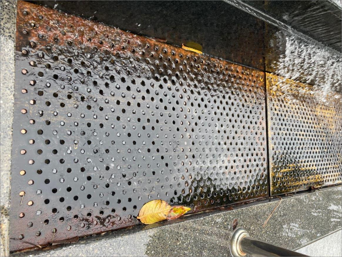 Modern Stainless Linear Shower Floor Drainage Grating ตะแกรงระบายน้ำสแตนเลสสำเร็จรูป แผ่นเกรตติ้งสแตนเลสเจาะรู