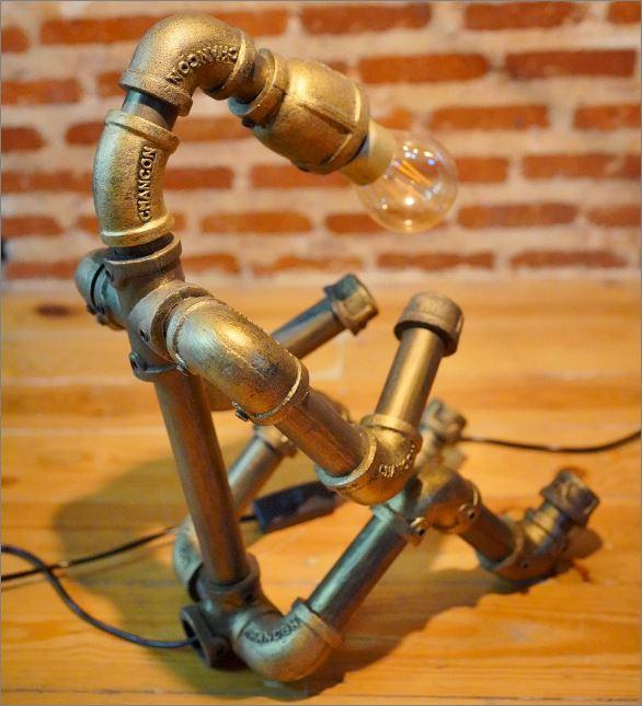 โคมไฟหุ่นยนต์ท่อเหล็กตั้งโต๊ะวางโชว์ติดผนัง ของขวัญขึ้นบ้านใหม่ตกแต่งร้านกาแฟ   IndustrialSteampunkDeskPipeLightLampRobot