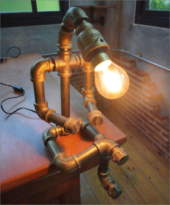 โคมไฟหุ่นยนต์ท่อเหล็กตั้งโต๊ะวางโชว์ติดผนัง ของขวัญขึ้นบ้านใหม่ตกแต่งร้านกาแฟ   IndustrialSteampunkDeskPipeLampRobot