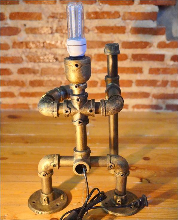 โคมไฟหุ่นยนต์ท่อเหล็กตั้งโต๊ะวางโชว์ติดผนัง ของขวัญตกแต่งร้านกาแฟวันเกิดขึ้นบ้านใหม่    SunWukong MagicMonkeyKing  DiyIronPipeLightingLampRobot