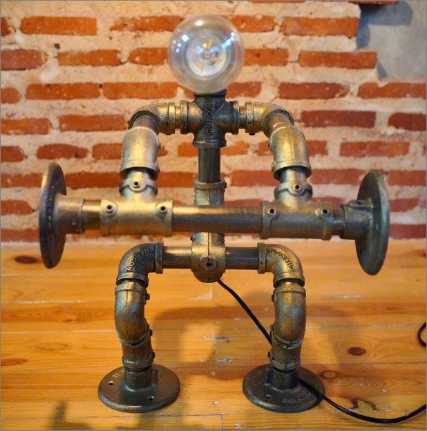 โคมไฟหุ่นยนต์ท่อเหล็กตั้งโต๊ะวางโชว์ติดผนัง    WeightLifterFitness RustIronRobotStylePlumbingPipeTableLightingLamp