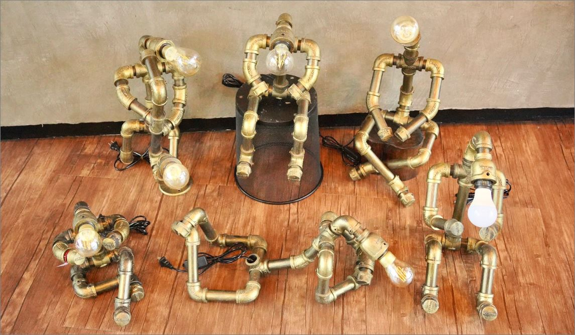 โคมไฟหุ่นยนต์ท่อเหล็กตั้งโต๊ะวางโชว์ติดผนัง  ของขวัญวันเกิดตกแต่งบ้านร้านกาแฟ   IndustrialSteampunkLightingTablePipeLampRobot